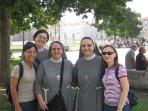 suore francescane missionarie e postulanti