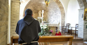 Frate in preghiera franciscanum